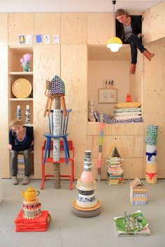 fresh ideas for Rumpus Room- love how simple plywood can look clean, modern, and friendly all at once Hester & Jantien Tas-ka Plywood Interior, Deco Kids, Build A Closet, Ideias Diy, Kidsroom, Kid Spaces, Kids Decor, Decor Ideas, Boy Room