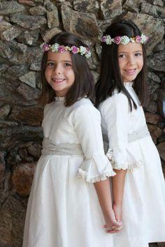Corona de flores de papel para niñas.