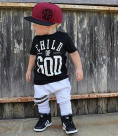 Newborn baby outfit are high quality, relaxed and are also all oh-so-cute! Toddler Boy Fashion, Little Boy Fashion, Toddler Outfits, Baby Boy Outfits, Toddler Boys, Kids Fashion, Outfits Niños, Style Outfits, Kids Outfits