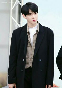 [COMPLETED] [B×B] ! the story of Doyoung and his little prince Jeno # Percintaan # amreading # books # wattpad