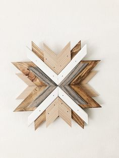 Wood Wall Decor, Diy Wall Art, Wood Wall Art, Cool Woodworking Projects, Wood Projects, Rustic Wood Crafts, Got Wood, Wooden Art, Barn Quilts