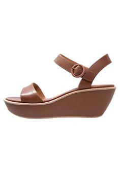Camper - DAMAS - Sandalen met sleehak - medium braun