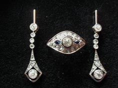 Gold jewellery set – Art Deco circa 1920 with antique diamond in B cut, D, IF-I, approx. 0.5-0.6 ct – earrings and ring in case
