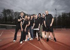 Amateur tennis team Elzenhagen 8 after victory (photo: Erik Buis) Tennis Photos, Victorious, Basketball Court, Portraits, Sports, Hs Sports, Head Shots, Portrait Photography, Sport