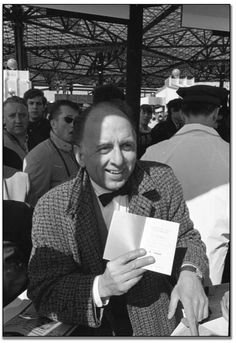 First person to gain entry to Expo 67, April 28, 1967 (67118-15)