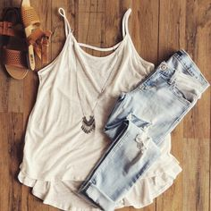 Love this outfit. - Street Fashion, Casual Style, Latest Fashion Trends - Street Style and Casual Fashion Trends Casual Summer Outfits, Spring Outfits, Cute Outfits, Outfit Summer, Summer Clothes, Look Fashion, Teen Fashion, Fashion Outfits, Fashion Trends