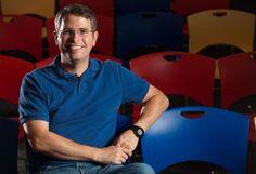 """Matt Cutts se toma """"vacaciones"""" por 3 meses, hasta Octubre próximo y el motivo es estar más cerca de su familia.  Algo que hemos escuchado de otros ejecutivos como paso previo a abandonar una empresa.  ¿Se alejará definitivamente de Google?"""
