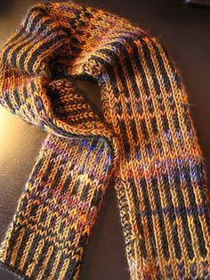 Free #Knitting Pattern: Inside-Outside Scarf.