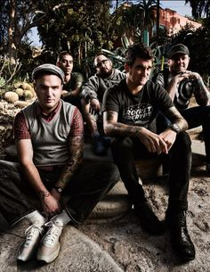 new found glory. i think i'll car mosh with my friends even when we are 80 to nfg. <3