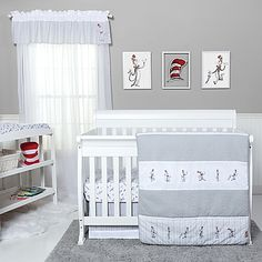 In gentle, neutral grey with pops of red, Trend Lab's The Cat in the Hat Comes Back Crib Bedding features everyone's favorite mischievous cat, for soothing and cute nursery style. Details like crayon stripes and puzzle stitching add more charm.