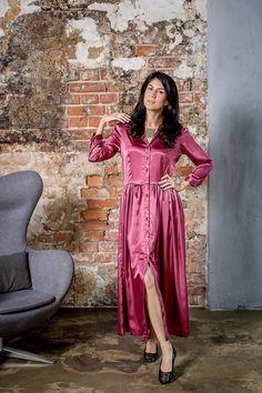 БА223: платье из стрейч сатина, размер 44/46. NST. Подвеска, Дания.