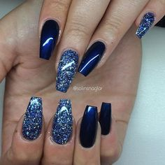 Mejor arte de uñas de gel azul 2018 – You are in the right place about nagel kunst zomer Here we offer you the most beautiful pictures about the nagel kunst kerst you are looking for. When you examine the Mejor arte de uñas de gel azul 2018 – … Blue Gel Nails, Gel Acrylic Nails, Gel Nail Art, Dark Blue Nails, Black Nail, Blue Acrylic Nails Glitter, Navy And Silver Nails, Blue Chrome Nails, Navy Nail Art