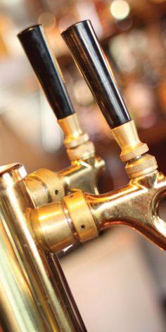 Vi har den perfekte gaven til han som er glad i øl! På Ølskole får man både lære om ølens kultur og dens historie samt ølsmaking. En sosial og lærerik kveld sammen med andre som deler interessen!
