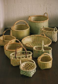 Daizo Yamasaki (Kochi) Babaghuri Matsuya Ginza shop Photograph by Shuhei Tonami Bamboo Art, Bamboo Crafts, Bamboo Weaving, Basket Weaving, Bamboo House, Bamboo Shop, Leaf Projects, Diy And Crafts, Paper Crafts