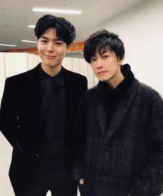 Takeru Satoh and Park Bo Gum . Mnet Asian Music Awards, Asian Actors, Korean Actors, Korean Men, Park Bo Gum Wallpaper, Park Go Bum, Kbs Drama, Moonlight Drawn By Clouds, Takeru Sato