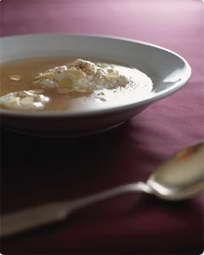 Lun æblesuppe med risalamande