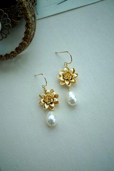 Lotus Ivory Pearl Earrings. Water Lily Pearl Bridal by Marolsha