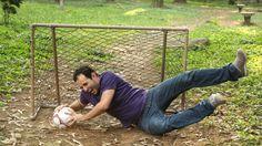 Aproveite o seu fim de semana na rua para jogar futebol com os amigos e faça a nossa trave de gol caseira, usando alguns canos de PVC!