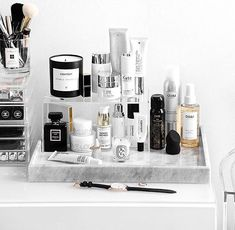 27 cute makeup storages for small bedrooms ideas makeup vanity organization diy bedrooms diy makeup Bathroom Organization, Makeup Organization, Bathroom Storage, Vanity Bathroom, Perfume Organization, Hair Product Organization, Perfume Storage, Design Bathroom, Perfume Display