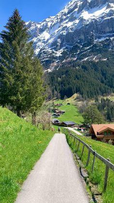 Grindelwald, Switzerland 🇨🇭 Beautiful Places To Visit, Cool Places To Visit, Places To Travel, Places To Go, Best Of Switzerland, Places In Switzerland, Aesthetic Photography Nature, Nature Photography, Travel Photography
