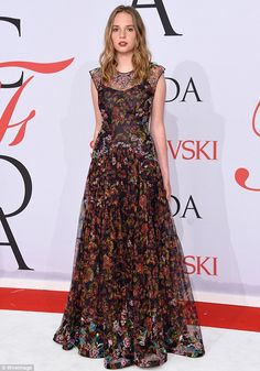 Maya Thurman-Hawke twirls to show off her beaded gown at CFDA Awards #dailymail