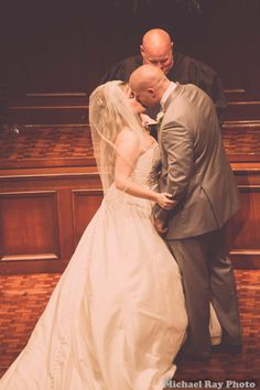Kiss from wedding #4