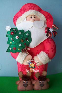 Arte em E.V.A by Théo: Natal Christmas Stockings, Christmas Ornaments, Elf On The Shelf, Christmas Time, Abstract, Holiday Decor, Angela, Santa Clause, Ideas For Christmas