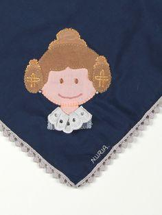 pañuelo fallera para chica personalizado con el nombre bordado
