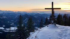 Mehr oder weniger Schnee fällt und die Berge gehören den Skifahrern? Nicht nur: Auf diesen Wanderungen haben Sie im Winter auch zu Fuß Spaß.
