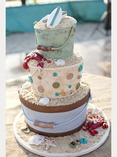 how fun is this beach wedding cake?! would be a great groom's cake too! ~  we ❤ this! moncheribridals.com
