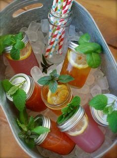 Ice tea with lemon & mint