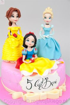 Tort z księżniczkami. tort kopciuszek śnieżka bella księżniczki, torty dla dzieci, gdańsk, trójmiasto http://rogwojskiego.pl