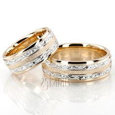 Exclusive Floral Design Wedding Band Set