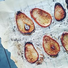 To make.  Breakfast Chips!! Cause why not?!? Mandolined Pear. Cinnamon dust.  Coconut oil! All in the oven! Wait for it....And deliciousness is ready!!!  #chips #homemadechips #fruitchips #pear #pearchips #cinnamon #coconutoil #lppcookbook #HBfit #plantbased #creativewithveggies #veggies #vegan #glutenfree #feedfeed #beautifulcuisines #fasherciseeats #bestofvegan #snacks #healthysnacks #breakfast #seasonal #noprocessedfood #cleaneating #hapinessishomemade #vsco #foodblogger #healthyfoodblog…