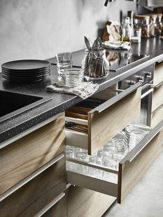 ASKERSUND ladefront | IKEA IKEAnl IKEAnederland keuken interieur wooninterieur inspiratie wooninspiratie hout houtlook opberger opbergen kast keukenkast kasten keukenkasten METOD serie koken eten diner