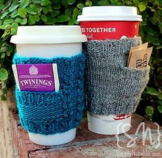 Sew A Gift Free knitting pattern for Pick a Pocket Cozy - Simply Notable designed this quick project with a pocket to hold tea bags, sweetener, or a gift card for a quick gift! - Visit the post for more. Loom Knitting, Free Knitting, Knitting Patterns, Crochet Patterns, Cowl Patterns, Stitch Patterns, Coffee Cozy Pattern, Crochet Coffee Cozy, Coffee Sleeve