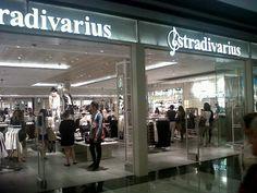 Ya podéis descubrir la nueva tienda de Stradivarius en Marineda City! (Planta 1, entre Hollister y Sport Zone) #LivingLaVidaCity #Tiendas #Shopping