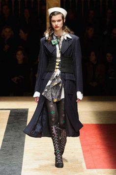 Semana de la Moda de Milán O/I 2016-2017: fotos de los modelos - Prada abrigo