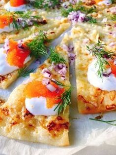 Pizza au oignon rouge nordique avec l¨jrom : Appetizer Recipes, Snack Recipes, Cooking Recipes, Food N, Food And Drink, Swedish Recipes, Snacks Für Party, Food Inspiration, Love Food