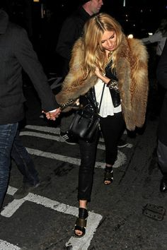 Sienna Miller Sienna Miller enjoys a girls' night out with friends on November 7, 2013.
