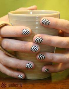 Easy DIY Nail Art!