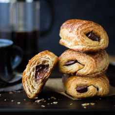 French Pastry Recipes You Can Make at Home This might be the best chocolate croissant recipe ever.This might be the best chocolate croissant recipe ever. Breakfast And Brunch, Breakfast Porridge, Pastry Recipes, Baking Recipes, French Cooking Recipes, Bojon Gourmet, Gourmet Desserts, Plated Desserts, French Desserts