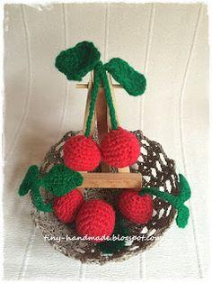Szydełkowe wisienki Crochet Things, Christmas Ornaments, Holiday Decor, Handmade, Diy, Home Decor, Hand Made, Decoration Home, Bricolage
