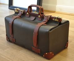 Alfred Dunhill leather travel bag //