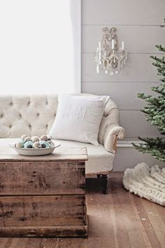 Bowl of pretty vintage ornaments Dreamy Whites: French Farmhouse Christmas Collection 2014 Le Living, My Living Room, Living Room Decor, French Farmhouse, Farmhouse Decor, French Country, French Blue, Farmhouse Design, Farmhouse Style