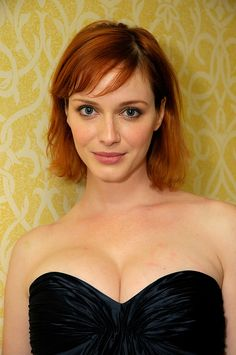 Celebrity Hairstyles: The Many Looks of Christina Hendricks Christina Hendricks, Christina Ricci, Beautiful Christina, Beautiful Redhead, Beautiful Women, Elizabeth Moss, Elizabeth Olsen, Jessica Lowndes, Jessica Biel