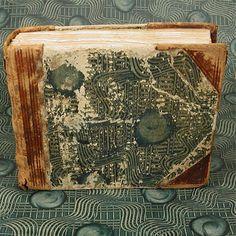 Papier für einen fehlenden Deckel. Susanne Krause