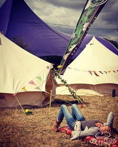 We love this. Flaking out at a hot, summer festival. Pick a spot and take five, or ten.