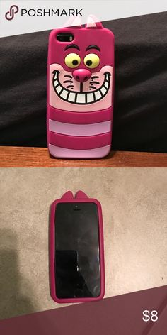 Disney Cheshire Cat iPhone silicone case Missing pieces in the ear but still a lovely case Disney Accessories Phone Cases Iphone 5s Phone Cases, Cheshire Cat, Phone Accessories, Ear, Disney, Closet, Stuff To Buy, Armoire, Closets