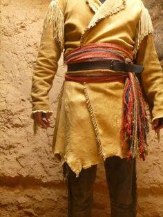 1800 Style Men's New Native American Tan Buckskin Buffalo Leather Fringes Open Coat - limelights. Native American Clothing, Native American Fashion, American Apparel, American Women, American Indians, American Art, American History, Mountain Man Clothing, Bushcraft